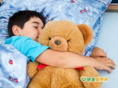 改掉孩子賴床習慣 從規律作息開始