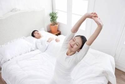 教你睡前9招,醒來會排毒瘦身!太神奇了
