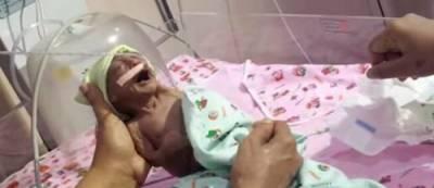 一名受到「詛咒」的寶寶出世後就把父母嚇到棄養!爺爺得知「真相」後氣炸了!因為送去醫院時醫生竟這麼說....