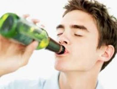 男人飲酒有這7大驚人好處